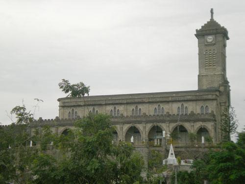 Vẻ đẹp cổ kính của nhà thờ Núi