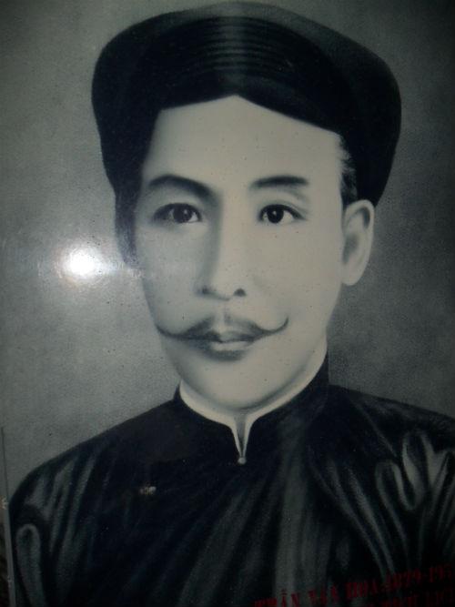 Hương sư Trần Văn Hoa người xây nhà trăm cột