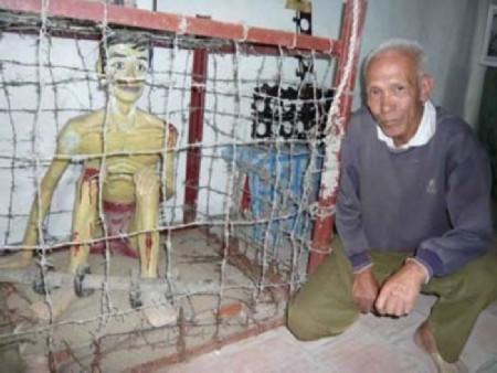 Tượng mô phỏng tù nhân