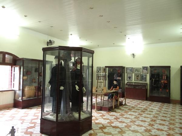 Hiện vật về  đặc trưng văn hóa 12 dân tộc Sơn La