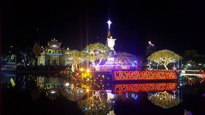 Nhà thờ Phát Diệm trong đêm giáng sinh