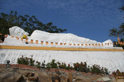 Phật Niết Bàn trên núi Bà Đen