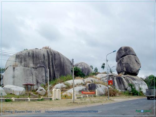 Núi Ba Thê An Giang gắn với Di chỉ Óc Eo được rất nhiều du khách quan tâm ghé thăm trong các hành trình du lịch Châu Đốc An Giang.