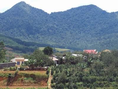 Cuộc sống của người dân gần chân núi LangBian