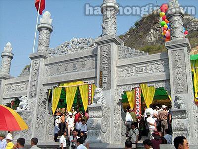 ngôi đền thờ một vị tướng của vương triều Trần
