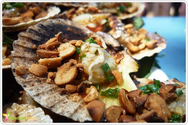 Sò điệp nướng mỡ hành - Món ngon ở Phan Thiết.