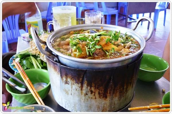 Lẩu cá biển - Món ngon ở Phan Thiết.
