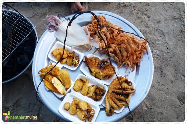 Mực tươi nướng - Món ngon ở Phan Thiết.