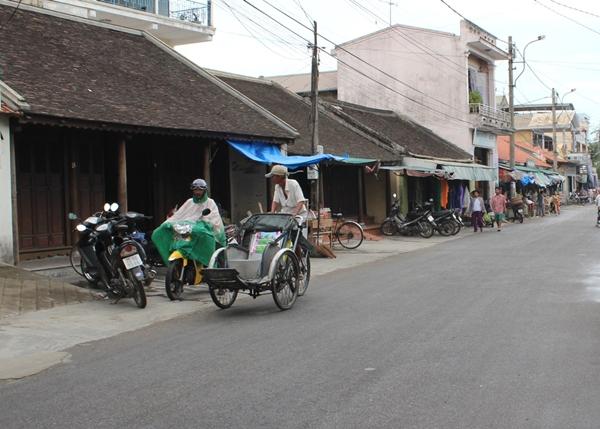 Những ngôi nhà cổ còn sót lại ở phố cổ Bao Vinh