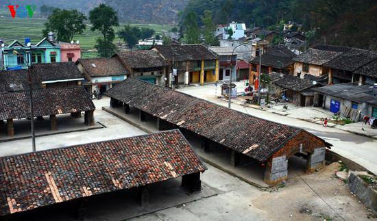 Chợ phố cổ đồng Văn