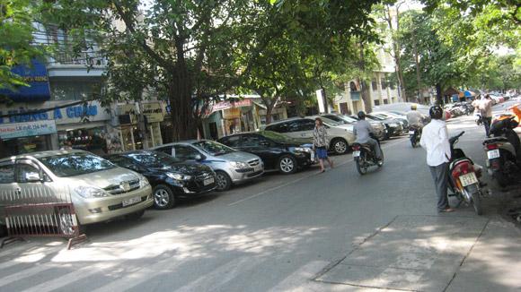 http://media.dulich24.com.vn/diemden/pho-phung-hung-4245/pho-phung-hung-4.jpg