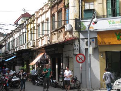 http://media.dulich24.com.vn/diemden/pho-ta-hien-4210/pho-ta-hien-2.jpg