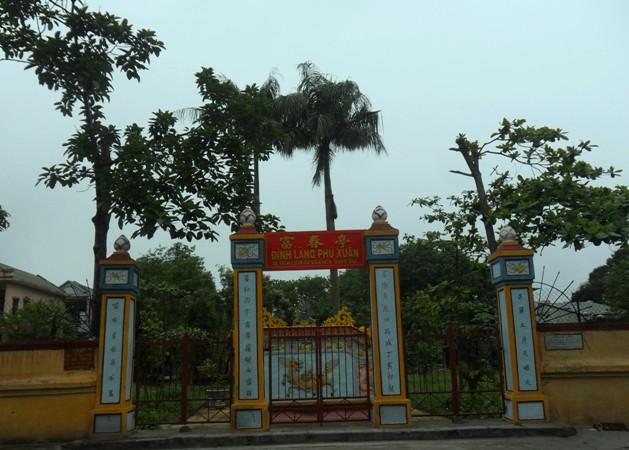 Đình Phú Xuân.