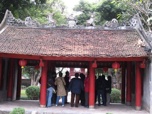 Khu thứ hai: từ Đại Trung Môn vào đến khuê Văn Các