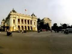 Quảng trường Cách mạng Tháng Tám