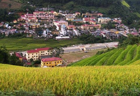 Ruộng bậc thang Mù Cang Chải (tỉnh Yên Bái) là tác phẩm điêu khắc khổng lồ của những người nông dân vùng cao tạo nên từ trăm năm nay.