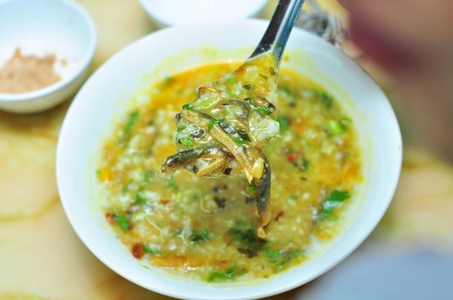 Món ngon Sầm Sơn: Cháo lươn.