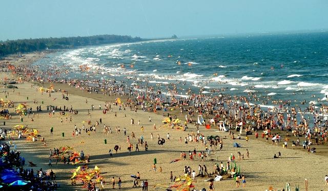 Vẻ đẹp trong xanh trên bãi biển Sầm Sơn.