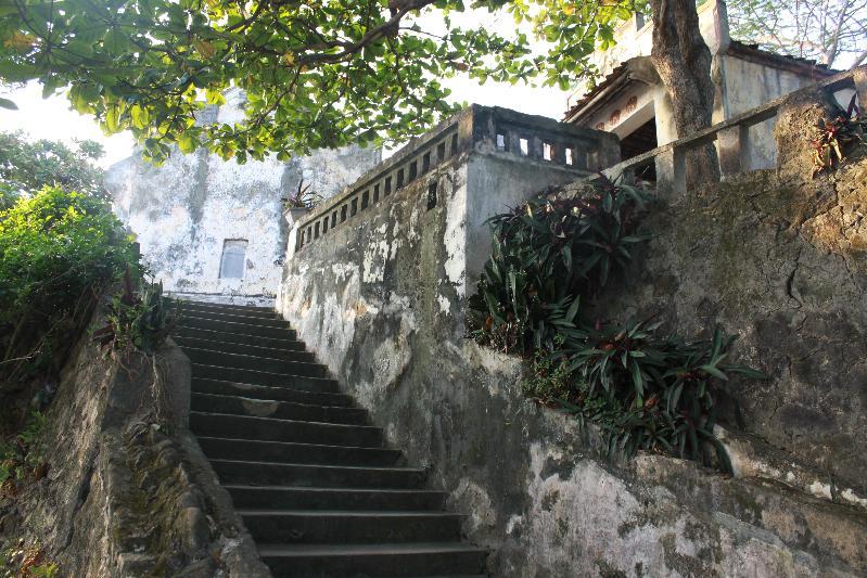 Đền Cô Tiên.