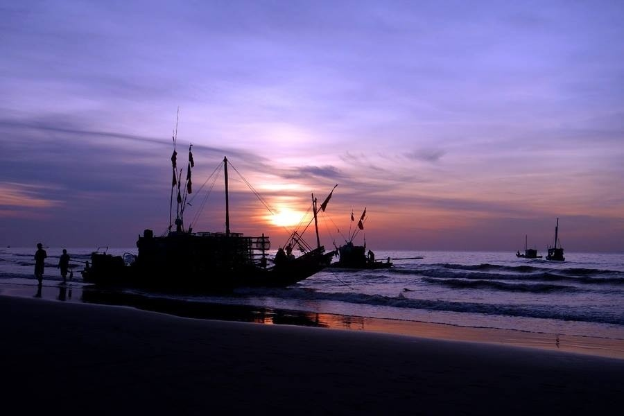 Hoàng hôn trên bãi biển Sầm Sơn