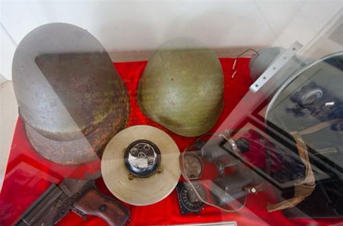 Một số trang bị của quân giải phóng miền Nam - Ảnh: Tiến Thành
