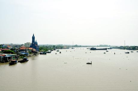 Sông Bạch Đằng có nguồn chính chảy từ sông Lục Đầu