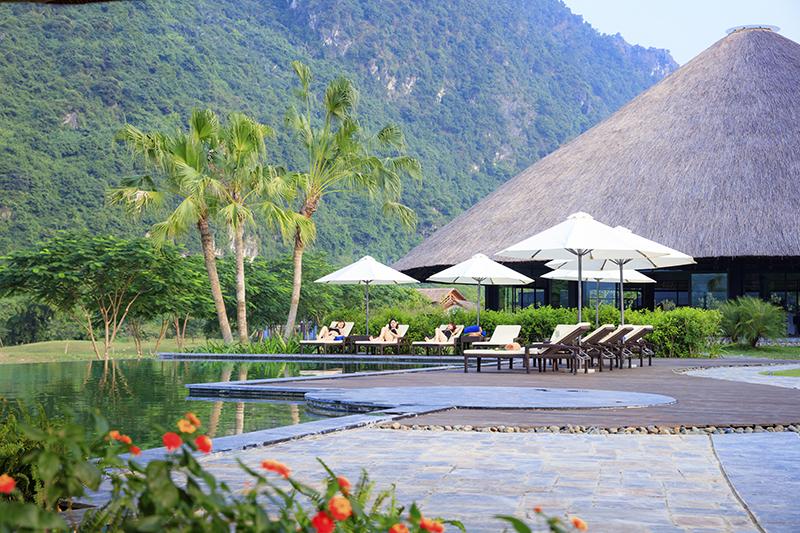 Serena Resort Kim Bôi tiêu chuẩn 4 sao tại khu du lịch khoáng nóng Kim Bôi.
