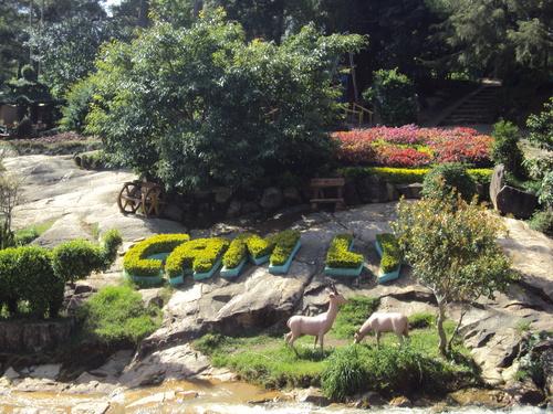 Khu vườn nhân tạo độc đáo trên thác Cam Ly