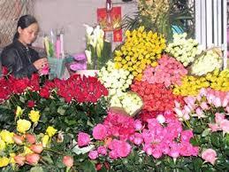 Đến với chợ Đà Lạt hôm nay, du khách có thể hài lòng với các mặt hàng thật phong phú, các quầy hàng ăn uống sạch sẽ vệ sinh và giá cả ổn định.