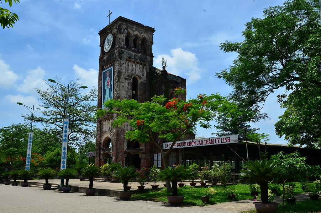 Nhà thờ La Vang – Một trong những Vương Cung Thánh Đường của GHCGVN