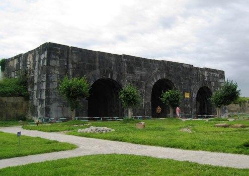Cổng thành phía Nam là cổng chính dẫn vào Hoàng thành. Ảnh: Lê Hoàng