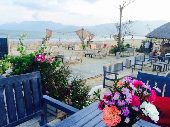 """Surf Bar là địa điểm """"check-in"""" mới nổi của giới trẻ cũng như khách du lịch"""