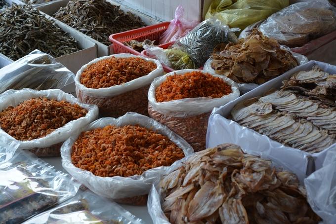 Đi chợ mua khô hải sản