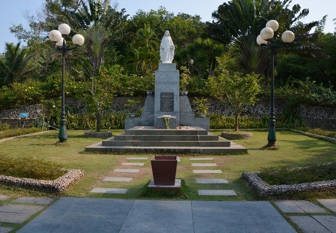 Thăm vườn thơ Hàn Mặc Tử
