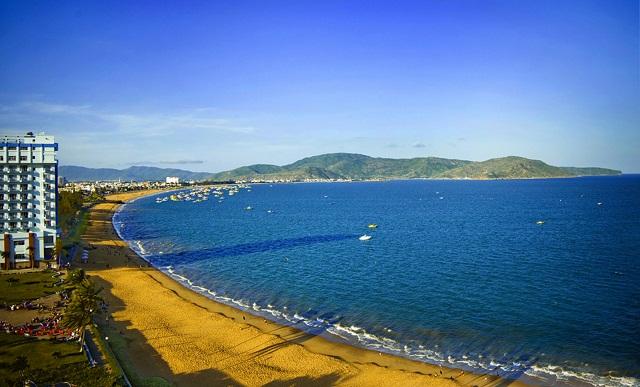 Bãi Biển Trung Tâm Thành Phố Quy Nhơn.