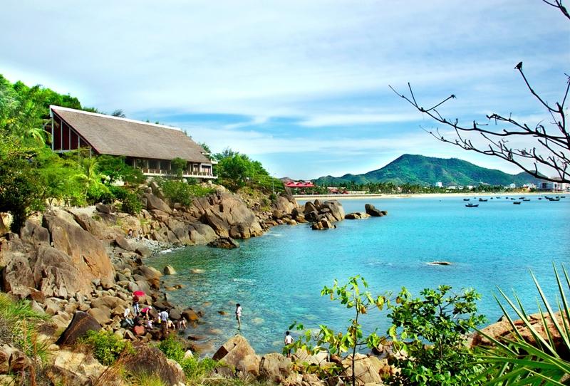 Bãi tắm hoàng hậu - Điểm du lịch hấp dẫn ở Quy Nhơn.