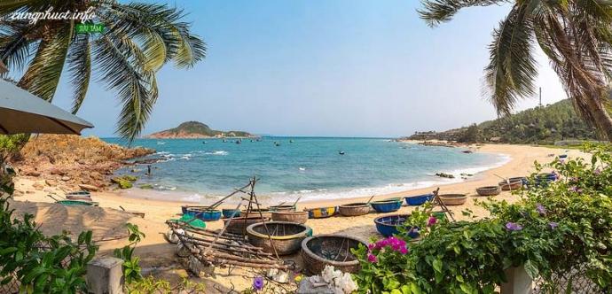 Bãi Xép là một trong những vùng biển mang vẻ đẹp hoang sơ của buổi sơ khai