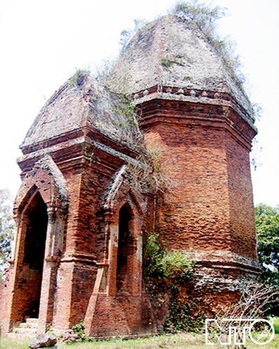 Bằng An là ngôi tháp duy nhất có mặt bằng hình bát giác còn tồn tại đến ngày nay