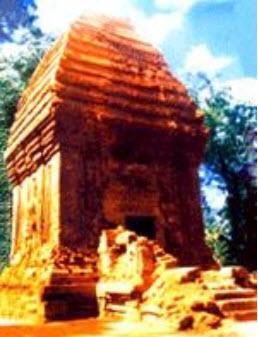 Tháp Chăm Yang Prong