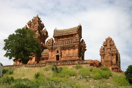 Nhóm đền tháp Chăm Posah Inư