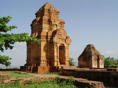 Tháp cổ Poshanư