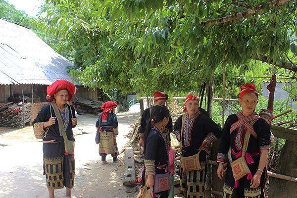 Bản Tả Phìn là nơi sinh sống chủ yếu của người dân tộc Dzao Đỏ