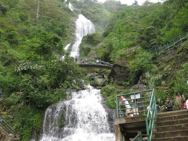Thác Bạc -điểm du lịch ở xa trung tâm sapa.