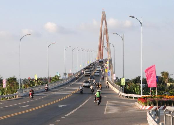 Điểm du lịch hấp dẫn: Cầu Rạch Miễu
