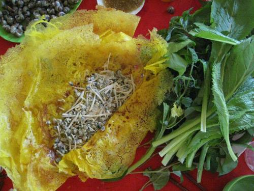 Đặc sản Bến Tre: Bánh xèo ốc gạo