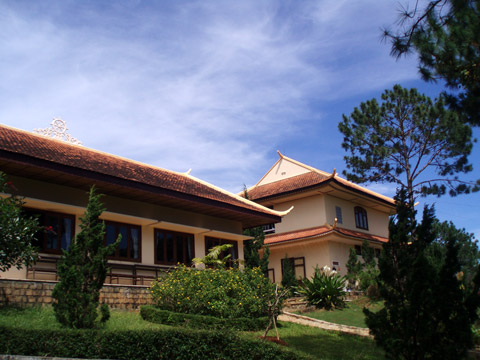 Khu nhà khách và thư viện