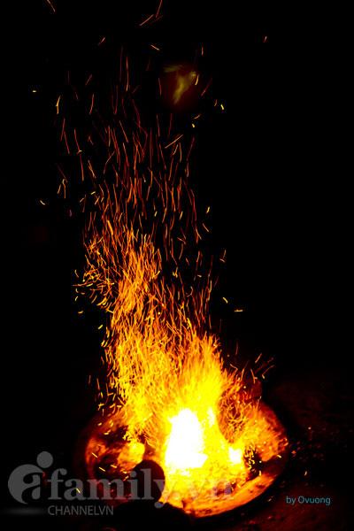 Ánh lửa trại đêm Thung Nai.