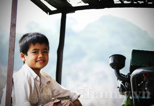 Cậu bé của sông nước Đà giang.