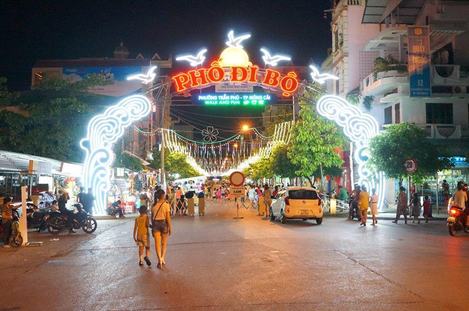 Đi dạo chơi ở thành phố Móng Cái