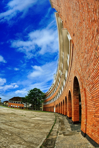 Gạch trần đỏ châu Âu dùngđể xây trường
